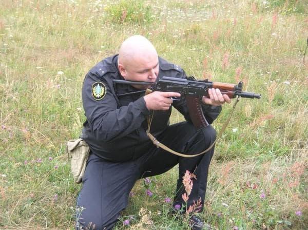 Стрельба с колена