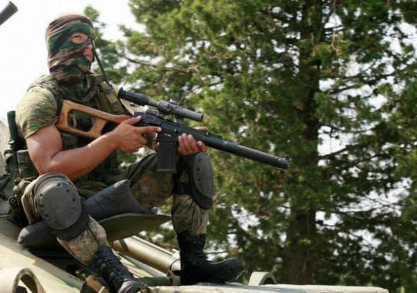 Снайпер с винтовкой Винторез
